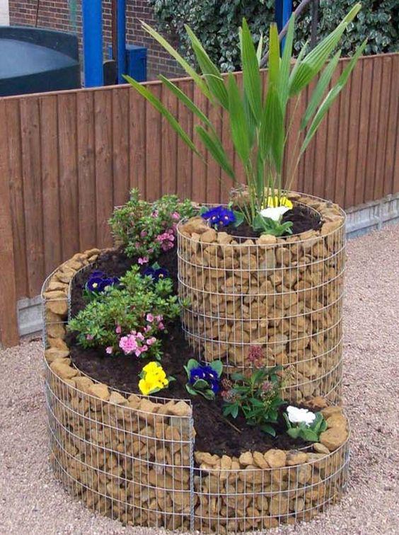 Vertical spiral planter.
