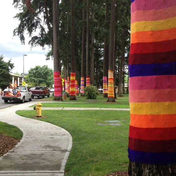 Redmond Park/Local Yarn Bombing