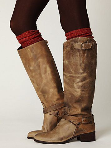 boots with socks & leggings