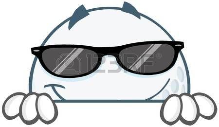 Sonriendo pelota de golf de dibujos animados con las gafas de sol que oculta detr�s de un signo photo