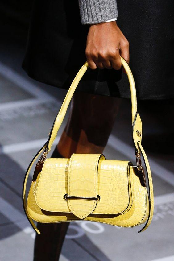 Borse primavera 2019 - Hand bag in pelle gialla