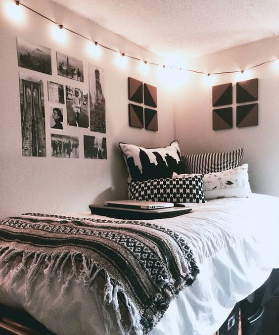 Black and White will never go out of style for dorm room decor!