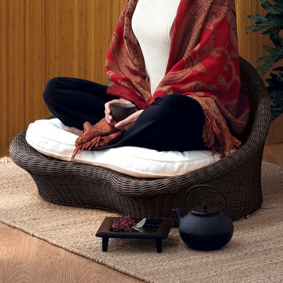 I am seriously coveting this Gaiam Meditation Chair