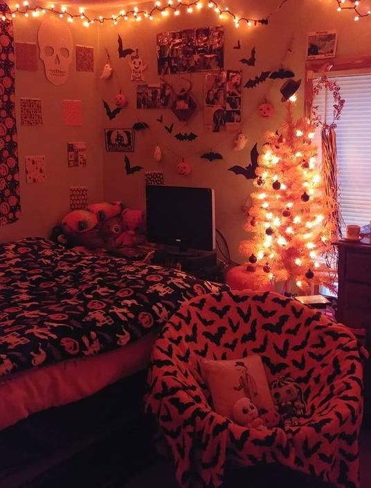 40 Cool Halloween Bedroom Decor For 2019