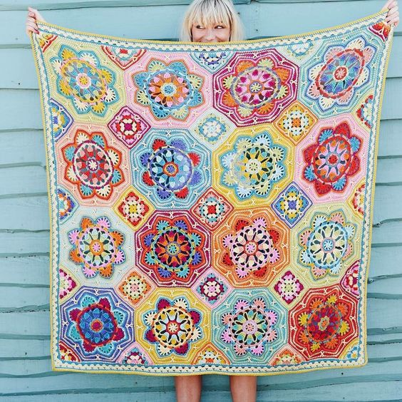 @stylecraftyarns have launched a new colourway, by Lucia Dunn of @luciasfigtree called Eastern Jewels of an original design by @janiecrow