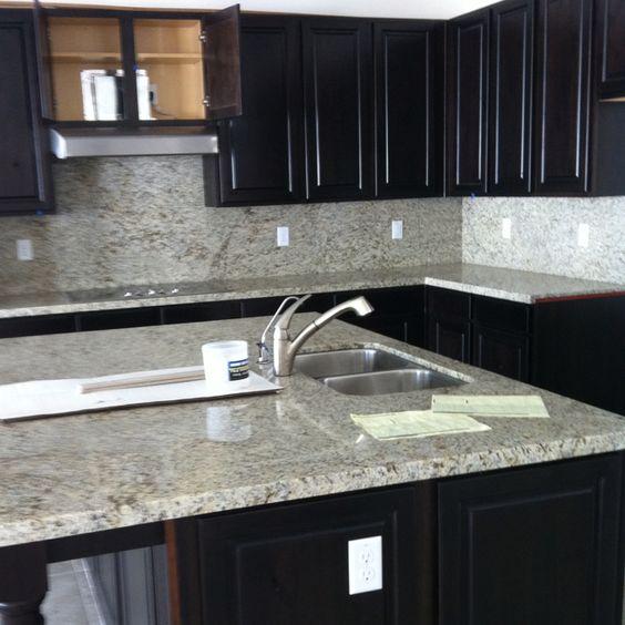 Granite & cabinet colors