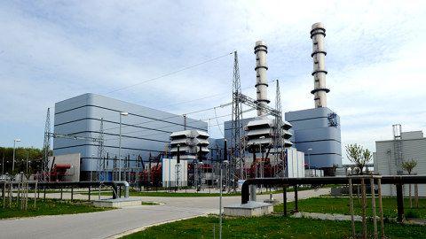 Modernes Gaskraftwerk ist unrentabel –  Irsching produziert nur zur Netzstabilisierung Die Betreiber des hochmodernen Gaskraftwerks Irsching bei Ingolstadt haben offiziell die Stilllegung der Anlage angekündigt. © dpa