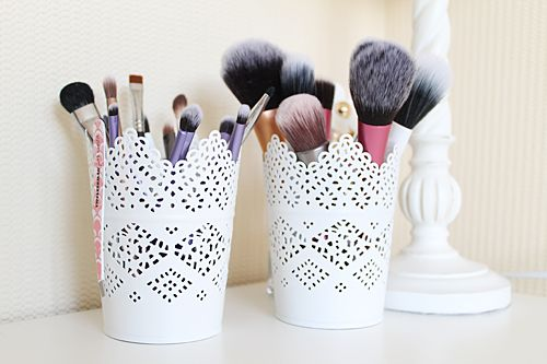 Pretty Makeup Brush Storage Idea. So gonna use the pots I had left over from my wedding centre pieces!