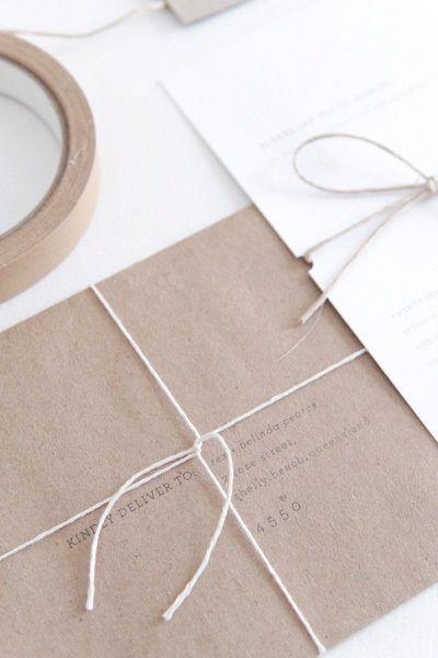 simple: Invitations Wedding, Kraft Paper, Craft Papers, Wedding Invitations, Gift Cards, Invites Cards, Design Packaging