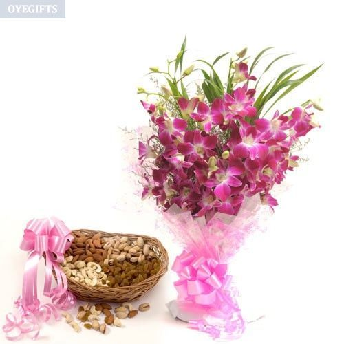 Send Mother S Day Gifts To Bikaner Online In 2020 Purple Orchid Bouquet Flower Delivery Purple Orchids