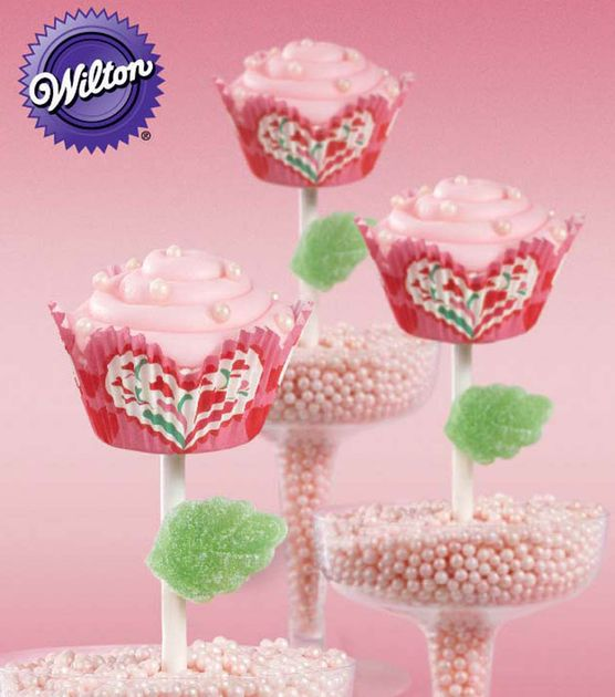 Sweet Valentine's Day Treats from @Wilton Cake Decorating #livelovebake