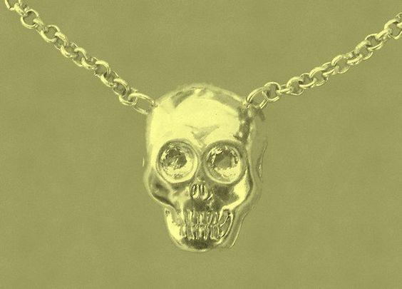 skull necklace par ViaLaCorniche sur Etsy, $15,00