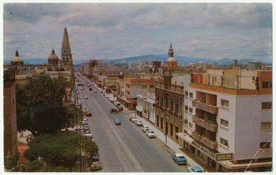 Avenida Alcalde década 1960 tomada desde él jardín de San José