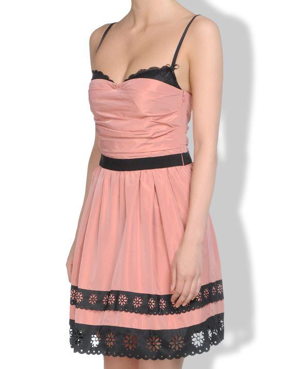 - Dresses Women on Moschino-şöyyle bir elbisem olsaaa .çok canım çektii