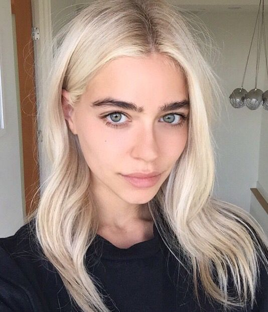 Creamy Blonde Hair Black Eyebrows Platinum Blonde Hair Platinum Blonde Hair Color Bleached Hair