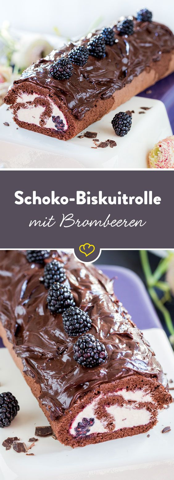 Wenn schon Schokolade, dann richtig - als sündhaft süße Biskuitrolle. Im Teig, auf dem Teig. Mit Sahne und mit Brombeeren.