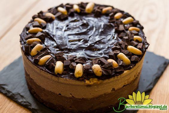 Veganana: Cheesecake com Snickers Crudívoro - Barbarelismus