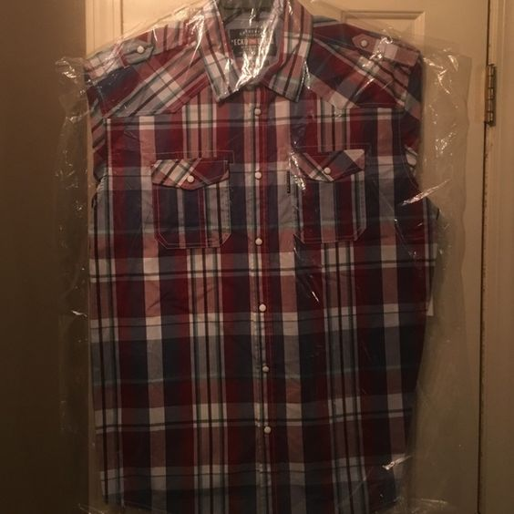 Brand new Ecko short sleeve button down shirt Short sleeve button down men's x-large Ecko Tops Button Down Shirts