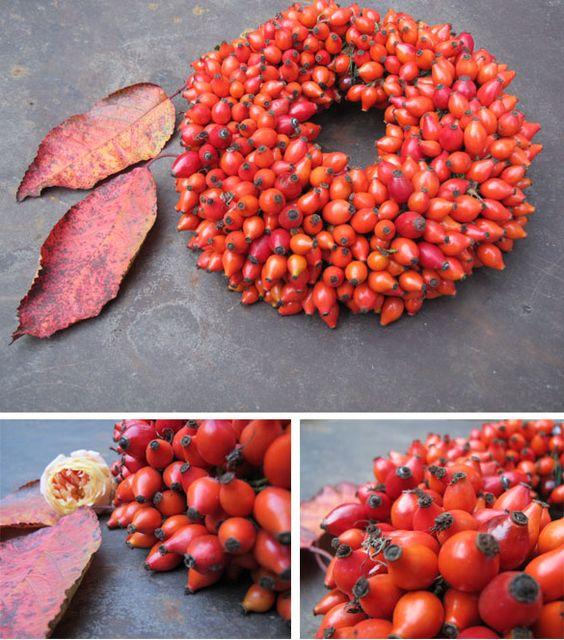 Herbst Türkranz aus Moos, Zweigen und Zierkürbissen