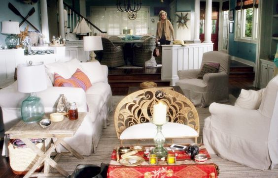 Grace And Frankie Beach House Steal The Look Hello Lovely Beach House Decor Home Furniture