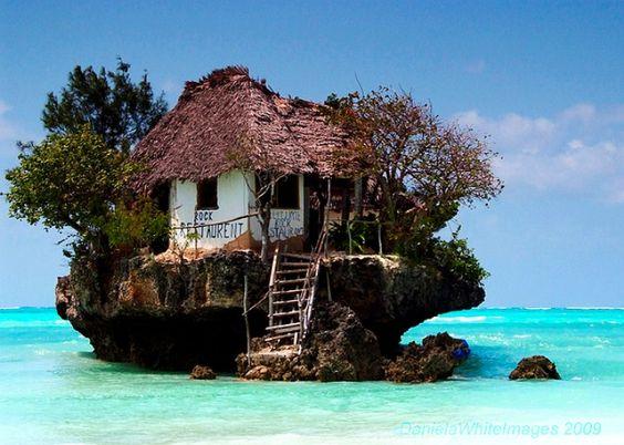 "Das Restaurant ""The Rock"" in Sansibar, Tansania › PsyCreator"