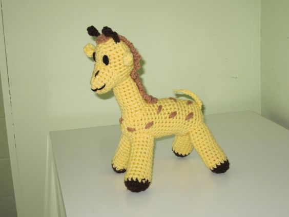 Crochet+toy+animal+stuffed+soft+giraffe+yellow+-+Parvan+TheGiraffe+11+inches+tall