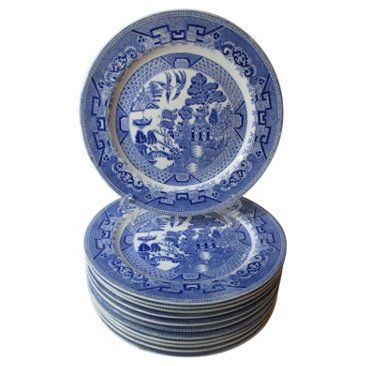 English Blue Willow Dinner Plates.