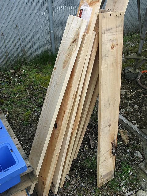pallet wood pallets and safety on pinterest. Black Bedroom Furniture Sets. Home Design Ideas