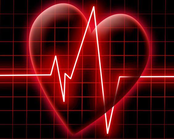 Kalbi güçlendirmek için : Sağlıklı beslenmek kaliteli bir yaşam sunar. Sadece sağlıklı beslenmek, diyet yapmak mı önemli. Tabi ki de hayır. Hareketli bir yaşam da gerekli. Egzersiz yaptıkça kalp güçlenir. Çünkü egzersizler kalp ve damarların çalışmasını kolaylaştıracak hormonal ve metabolik değişimlerin olmasını sağlar. Kalp güçlendikçe antrenman programlarına uyum da kolaylaşır.