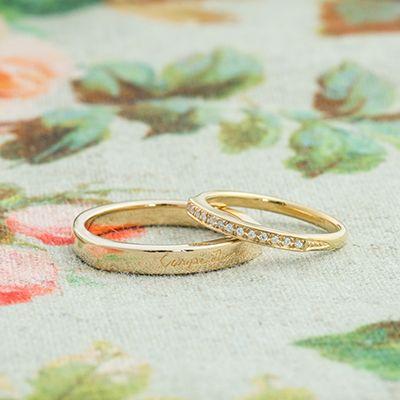 マリッジリング:Seal(シール) 女性と男性で少しフォルムの違うマリッジリング。 男性は表に文字を刻印。 女性はダイヤモンドを入れ華やかに  [K18 Gold ダイヤモンド diamond  marriage wedding ウエディング 結婚指輪]