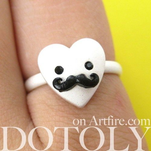 $10 Adjustable Heart Shaped Mustache Moustache Ring in Silver