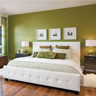 Chambre en vert et blanc de la peinture vert olive sur for Peinture mur vert
