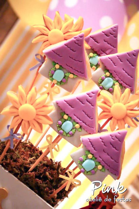 Tangled Rapunzel themed birthday party via kara's party ideas! full of decorating ideas, dessert, cake, cupcakes, favors and more! KarasPartyIdeas.com #tangled (16)