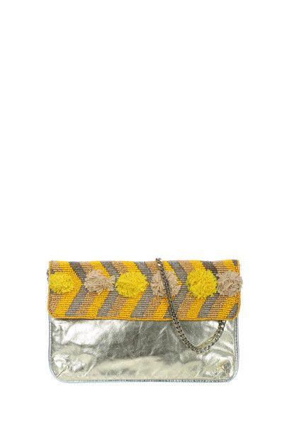 Pochette Mellow Yellow 99€ http://www.monshowroom.com/fr/zoom/mellow-yellow/pochette-en-cuir-irise-et-perles-pavole/157337