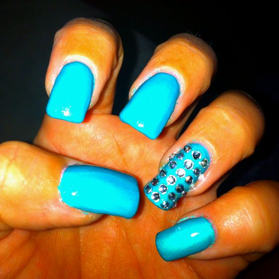 Did a bling finger... still working on my nail art... Definitely need more practice