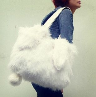 這个实在太适合收藏啦啦!兔毛小姐包。