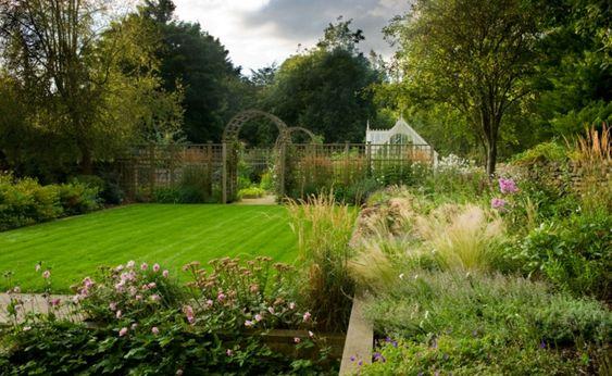Ideen Bilder schöne Rasenpflege Landschaftsarchitekten Pflege