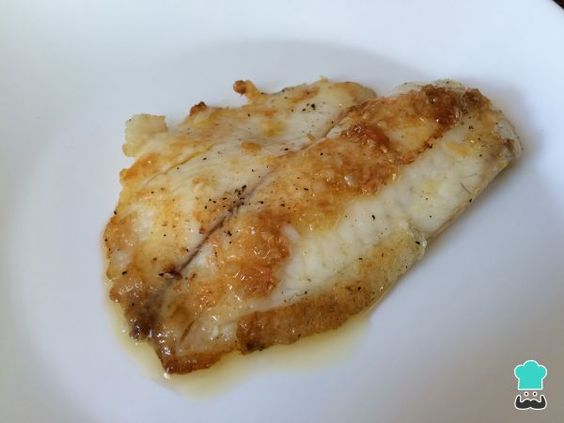 Learn how to prepare Fish fillet with ginger with this rich and easy recipe.  In this recipe you will learn to make a fillet of grilled white fish, which can be tilapia or ...