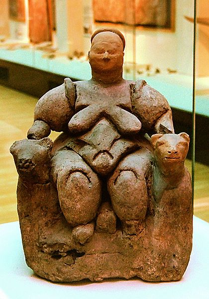 Seated Mother Goddess flanked by two lionesses from Çatalhöyük (Turkey), Neolithic age (about 6000-5500 BCE), today in Museum of Anatolian Civilizations in Ankara: