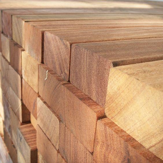 Holzterrasse selber bauen, Bedarf berechnen. Wieviele Terrassendielen, Schrauben und Unterkonstruktion brauche ich für den Bau einer Terrasse oder Balkon?