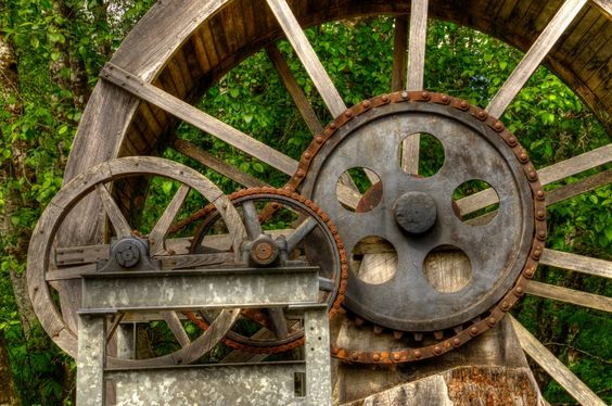 Antique water wheel at Camp 18, Hwy 26, Oregon