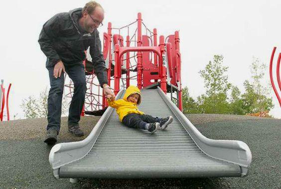 Cidade canadense cria parques infantis naturais para incentivar o brincar livre