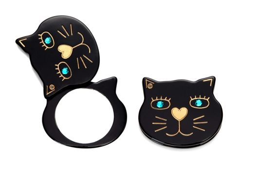 {kitty head compact mirror} yah, I'd use this. I'm eternally a child. ;)