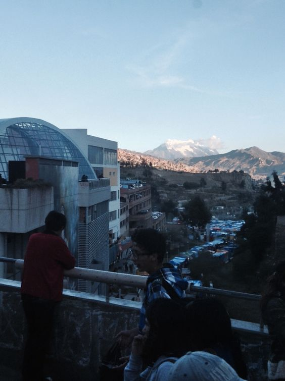 Illimani, Av. camacho La Paz Bolivia