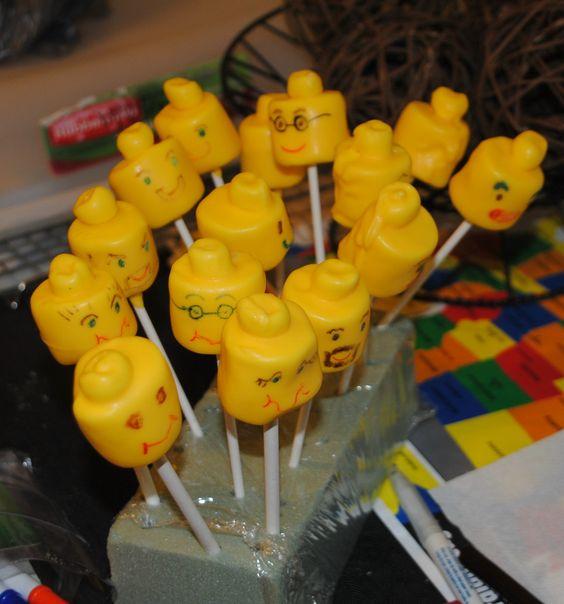 Lego Head Marshmallow Pops!