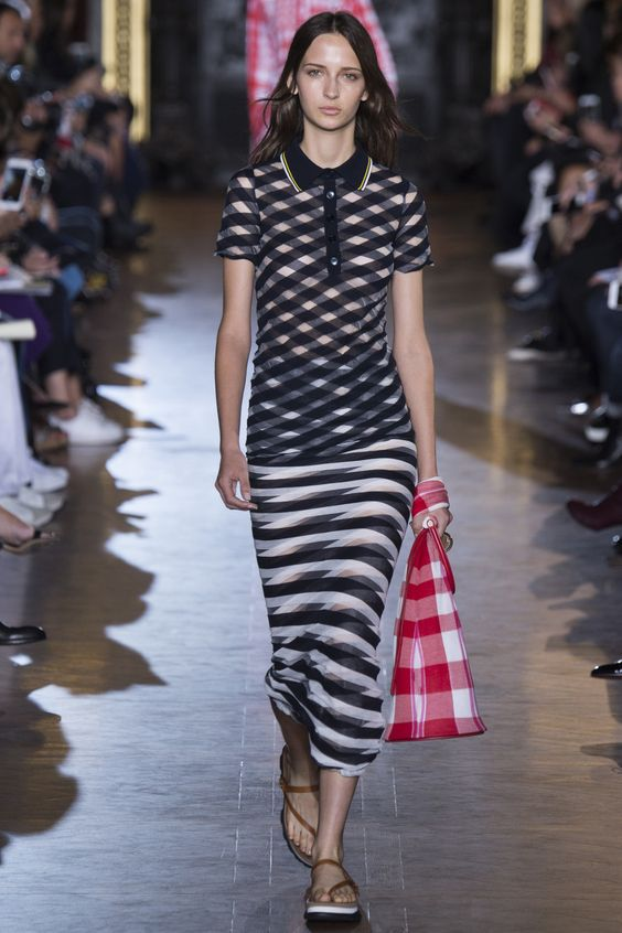 Stella McCartney Spring 2016 Ready-to-Wear: