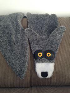 Wolf Scarf.