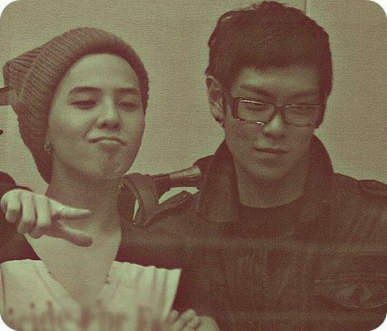 G-Dragon (지드래곤) & T.O.P (탑) of Big Bang (빅뱅)