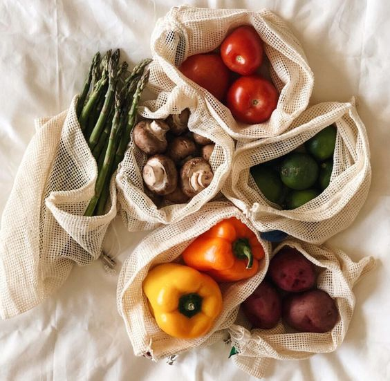Organic Produce Bags Set – Each order includes 10 100% certified organic cotton produce bags with metal toggles: 3 Small (11x8 inches) , 3 Medium (11x13 inches), 4 Large (11x17 inches) that are versatile, durable, and are perfect for fruits, vegetables, and other fresh produce. Also, NO PLASTIC used in our packaging whatsoever! Each set of mesh bags are neatly packed in a small cardboard box.