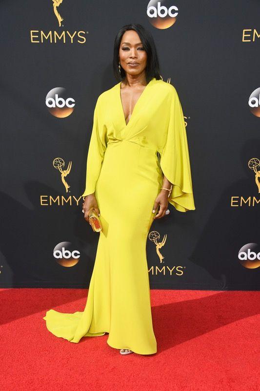 Angela Bassett no tapete vermelho do Emmy 2016: